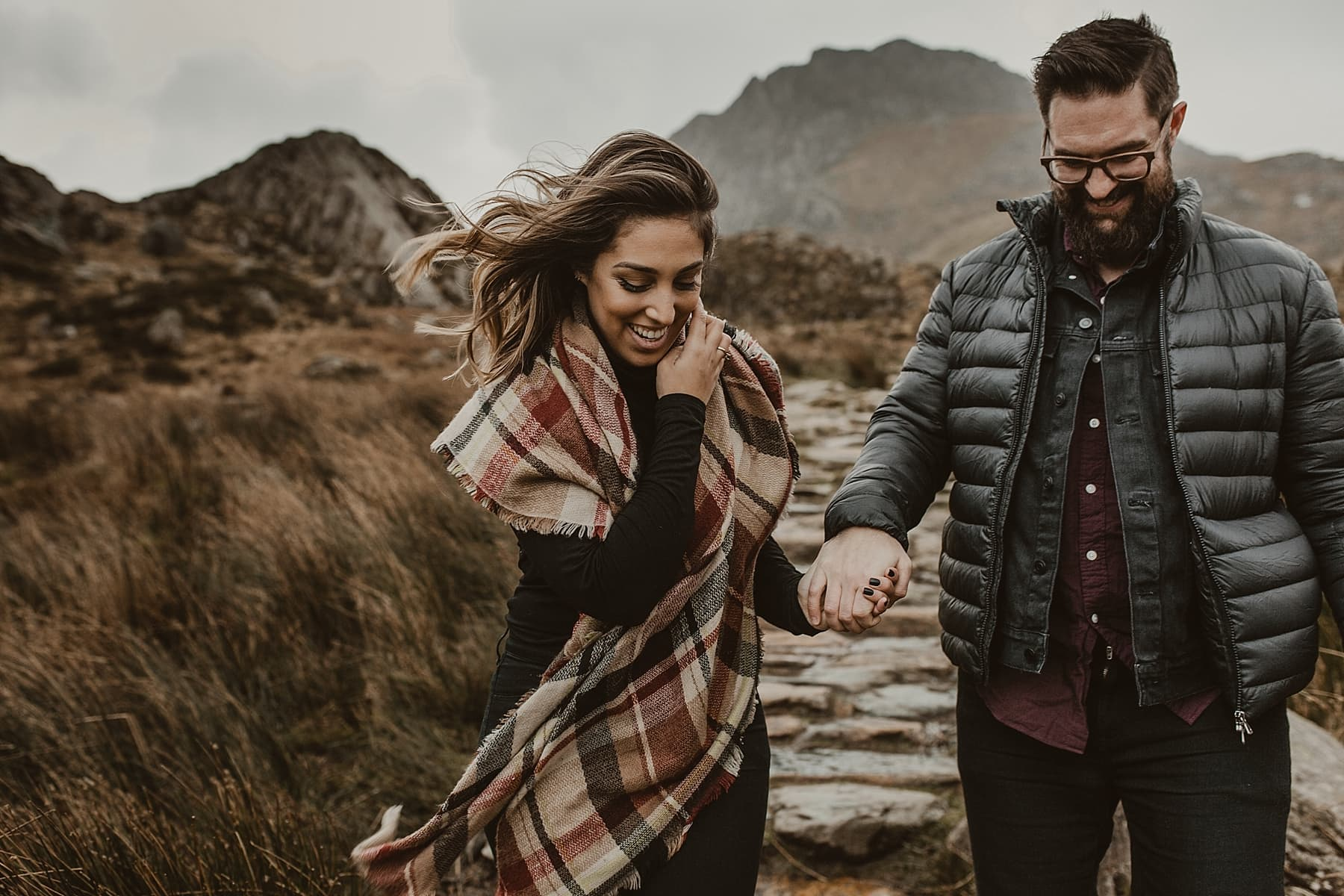 couple laughing in snowdon